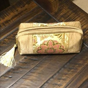 *from China* Beautiful handstitched make up bag